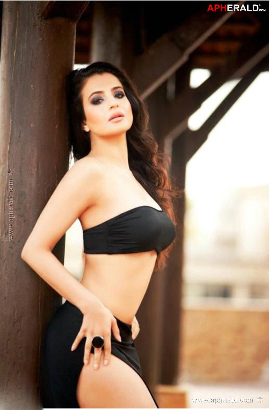 nude pictures of amisha patel  560987