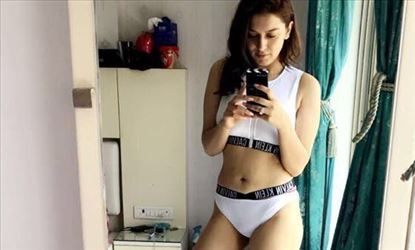 Hansika Private Hot Sexy Photos Leaked From Her Mobile