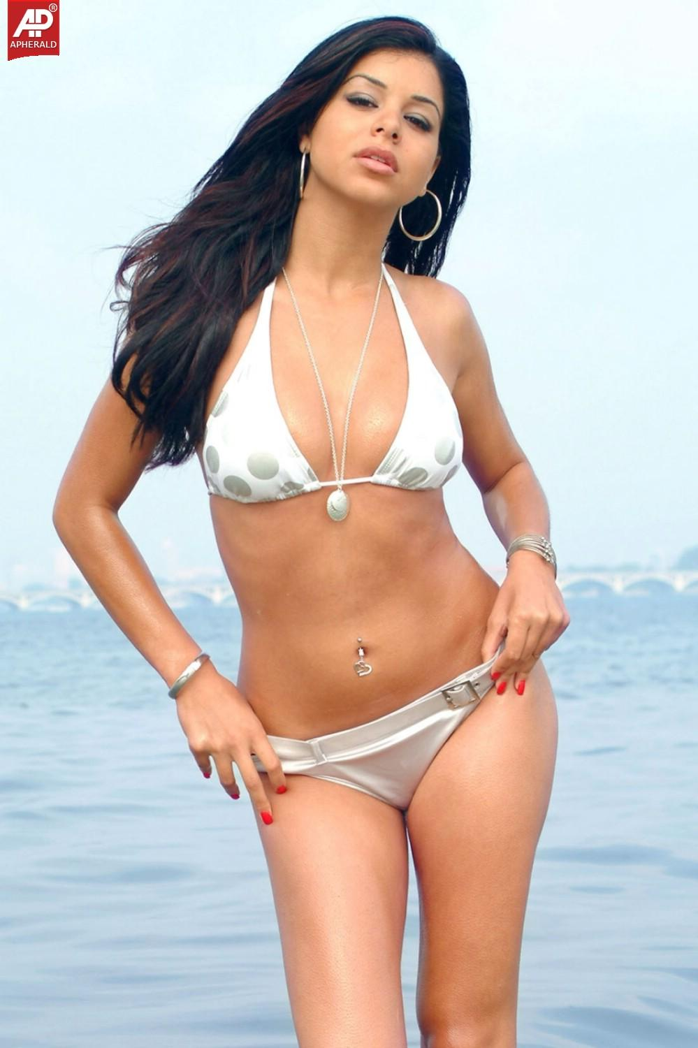 bollywood actresses on hot Mms sexy