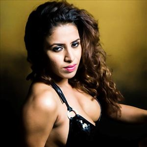 Kannada Actress Nastiya Roy Latest Hot Cleavage Show Photos