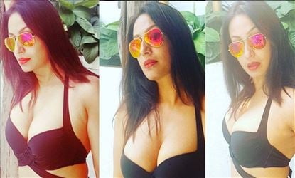 Kashmira Shah Share Her Hot And Sizzling Bikini Photos On Instagram
