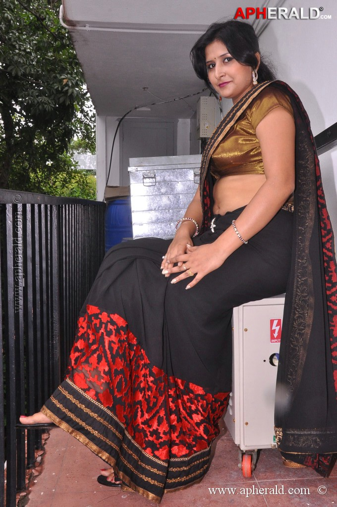 Kushbu Hot Stills