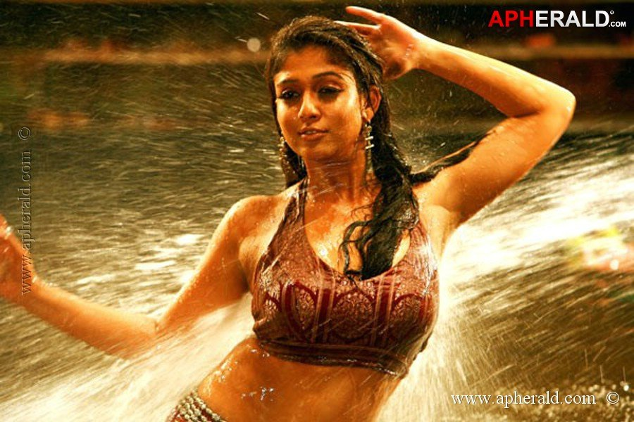 nayanthara-very-hot-in-sex-scene-ebony-transexual-models