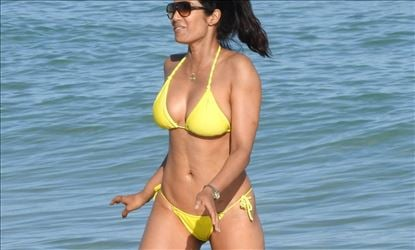 Padma Lakshmi In Hot Lace Bikini At Miami Beach Set 1