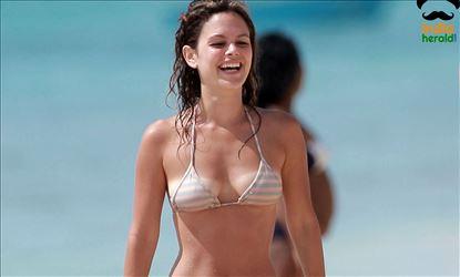 Rachel Bilson Wearing a bikini and Enjoying in Yacht at Barbados Set 1