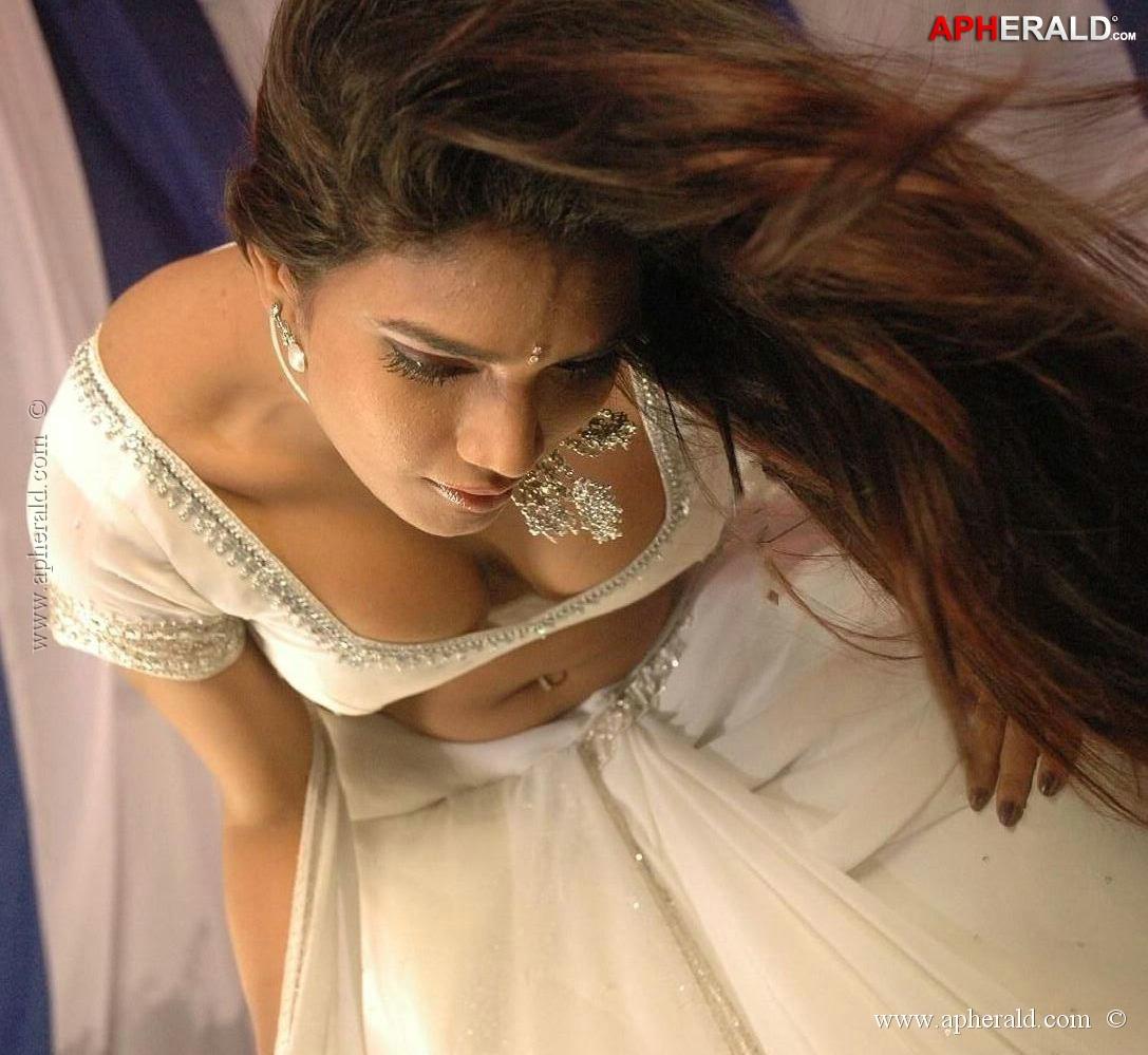 Ramya Hot Photos-4279