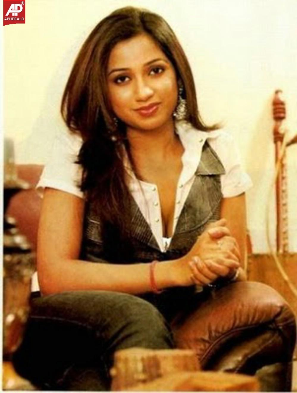 Shreya Ghoshal Hot Stills