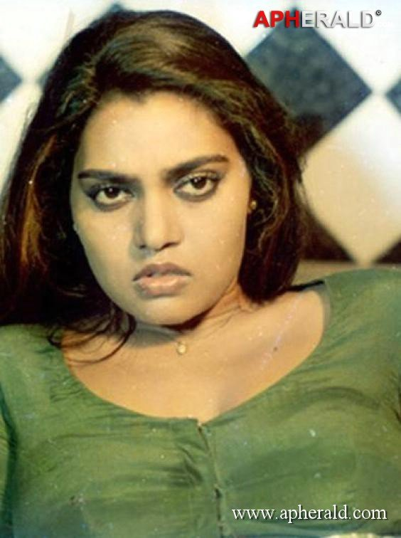 Sexy images of silk smitha