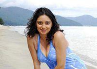 Wife flashing on beach