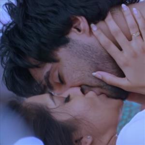 Rashmi Hot Video Song Teaser in Guntur Talkies