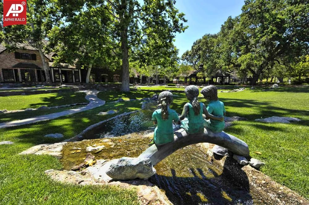 neverland valley Neverland valley ranch, los olivos, ca 900 likes 1,685 were here michael jackson purchased the sprawling 2,675-acre sycamore valley ranch property in.