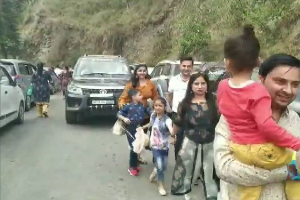 Huge Rush Of Tourists In Nainital