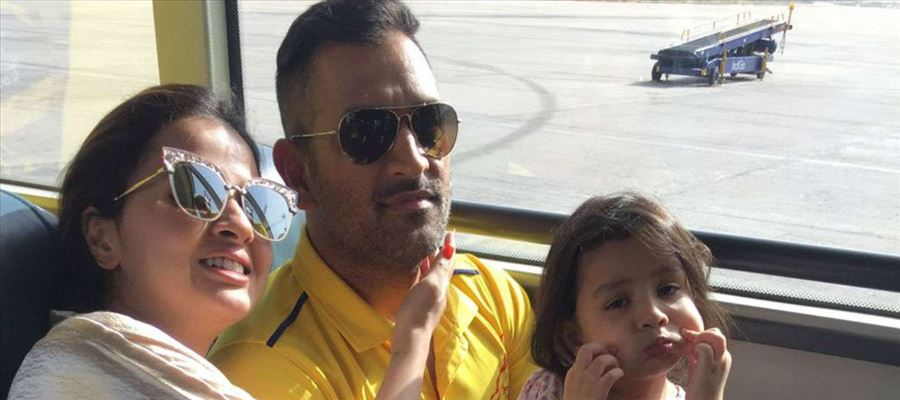 MS Dhoni keeps Ziva in his attempts on backfoot