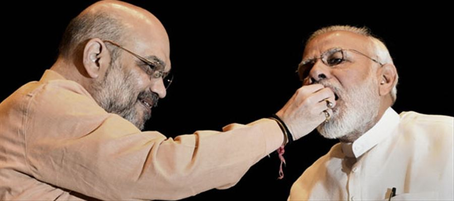 Amit Shah greeted PM for change in seating plan