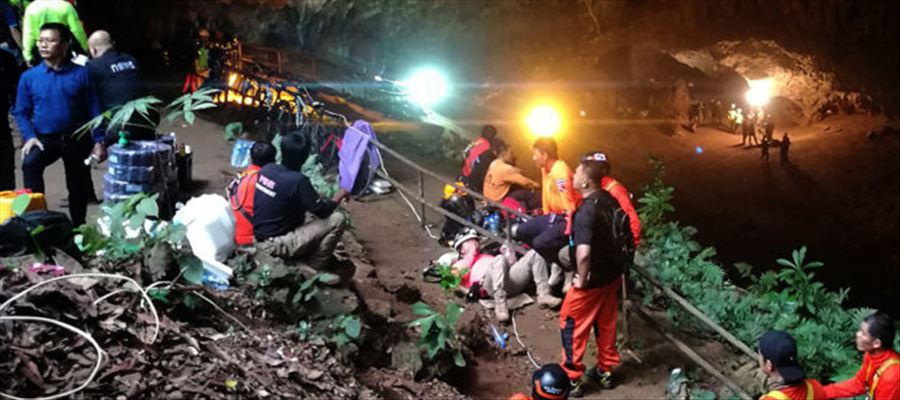 12 Teenage Football players with Coach trapped in Thailand Cave