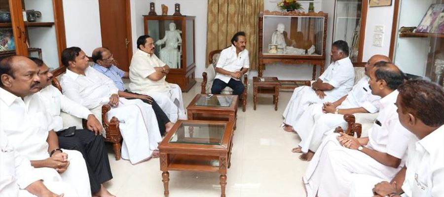 Deputy CM O. Pannerselvam visited DMK MK. Stalin's residence to inquire about M. Karunanidhi health