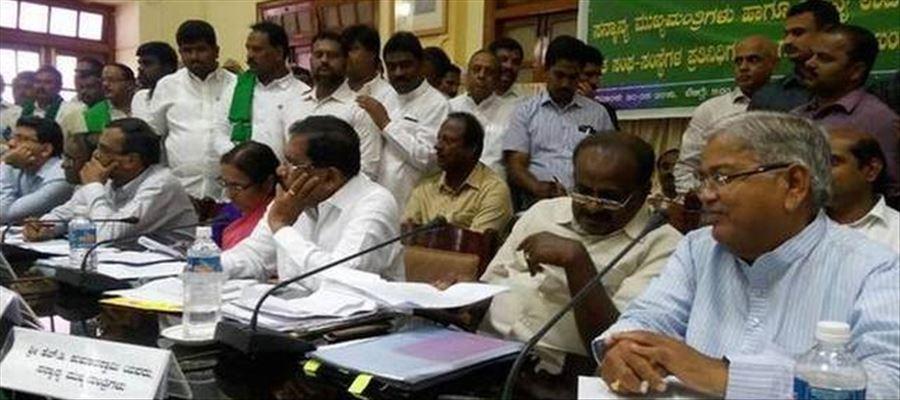 No sign of Karnataka Chief Minister waiving farmer loans