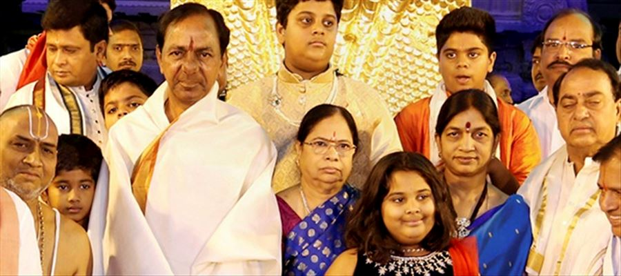Why Madhu Goud is not 'Revealing' the evidences about KCR family?