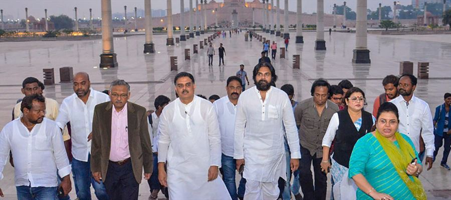 Why Pawan Kalyan showing interest to understand BSP Leaders?