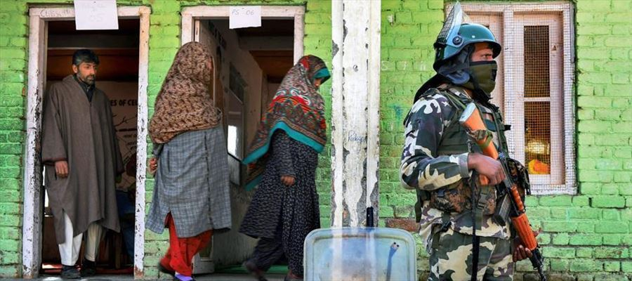 Karnataka & West Bengal face violent situation during second phase of voting