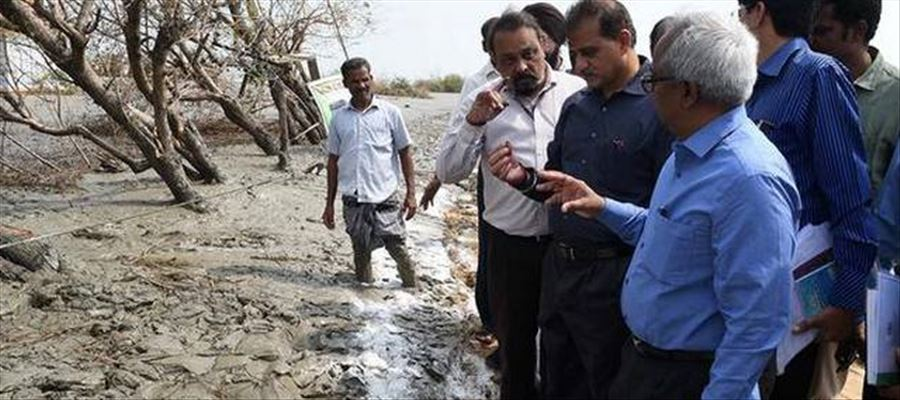 Central Team in Tamilnadu assessing damages caused by Cyclone Gaja