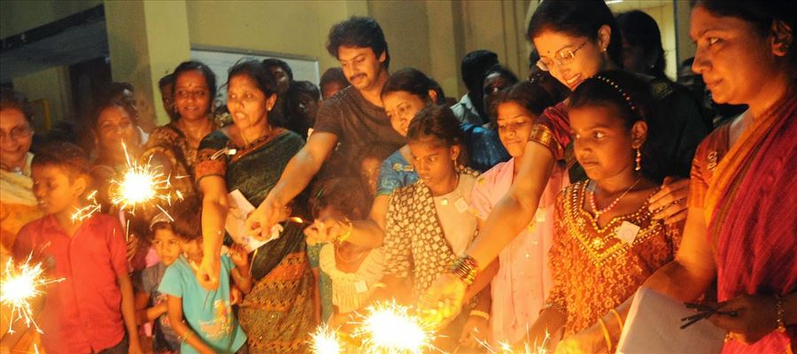 Why do 80's & 90's People haven't celebrated Diwali?