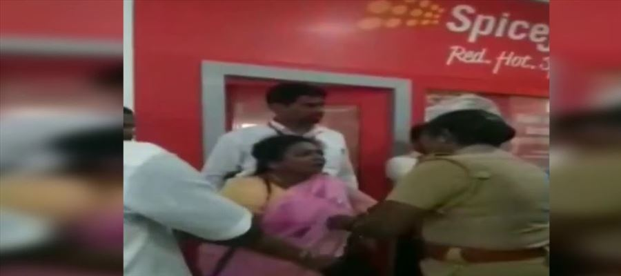 Tamilisai's fight with a co passenger!