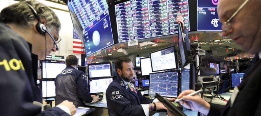 US stocks closed lower as United States Government shutdown