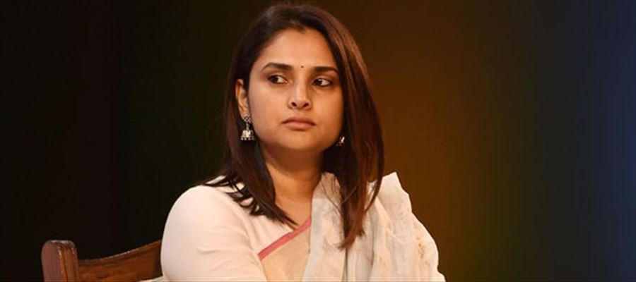Divya bags 50 Lakhs in defamation case