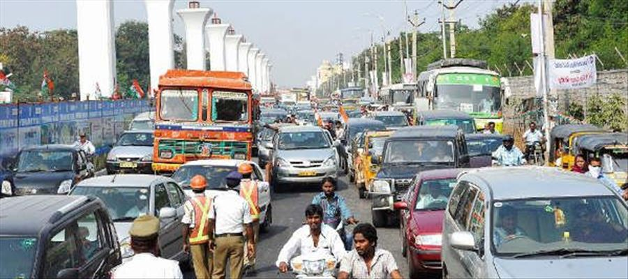 Will traffic be ensured safely during rallies & processions?