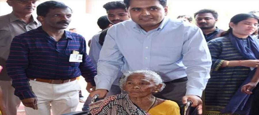 564 wheel chairs used across Nilgiri constituency to help differently-abled voters