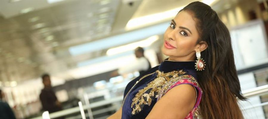 Sri Reddy's life to be made as movie!