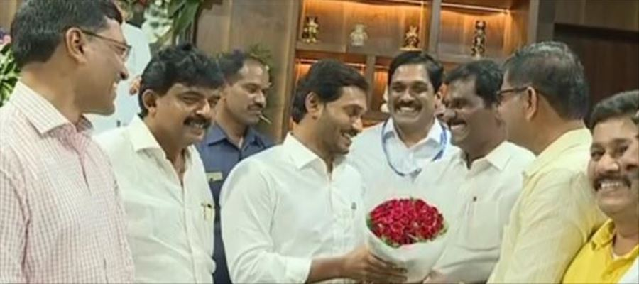 55,000 Employees to be benefited with merger of APSRTC with AP
