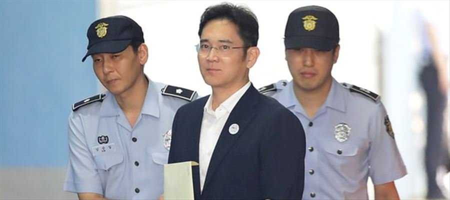 In Corruption case Samsung's Billionaire heir put in jail for 5 years