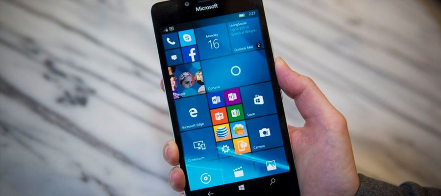 Windows Phones can't stand near iOs and Android - Nadella