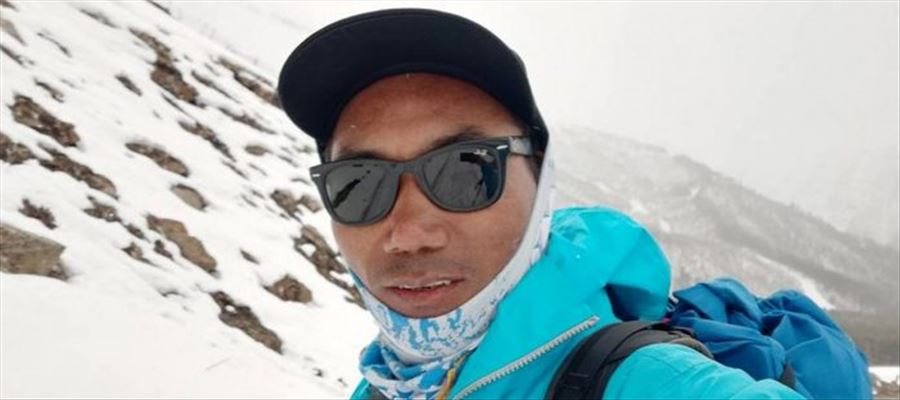 A Nepalese climbed Mount Everest for 23rd time