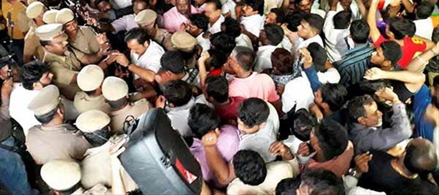 A Pick Pocket Thief among DMK Crowd who were gathered outside Kauvery Hospital