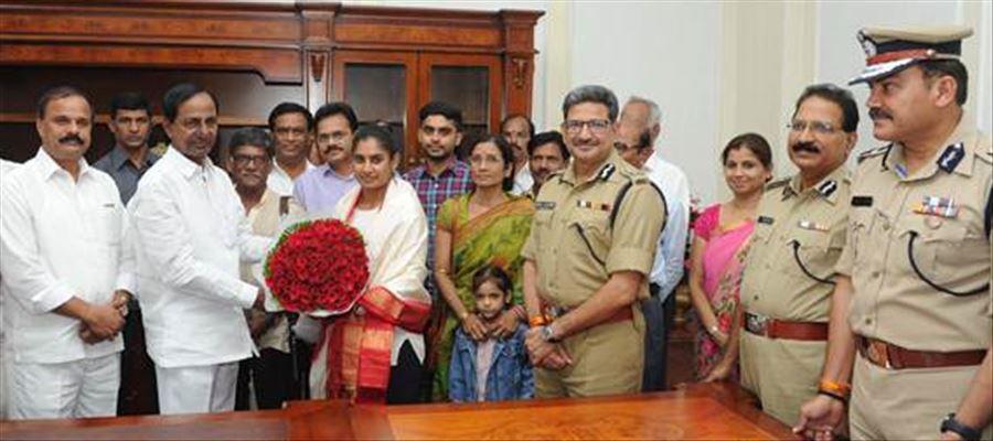 Mithali Raj rewarded by Telangana Government