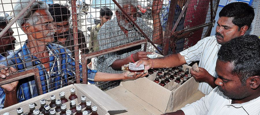 Tamilnadu hikes liquor prices - Rs.12 increased for Quarter, Rs.10 for a cooling beer!
