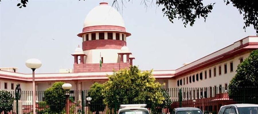 SC issues notices to AP Govt for bifurcation of Hyderabad HC