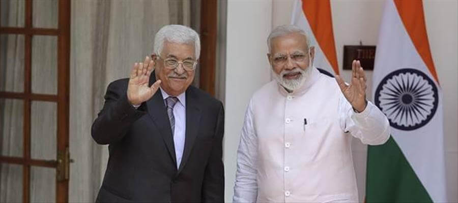 Narendra Modi discusses BILATERAL ISSUES with Visiting Palestine President Mahmoud Abbas