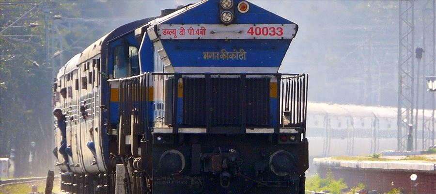South Western Railway catapulted Captain Service in Bengaluru-New Delhi Karnataka Express train