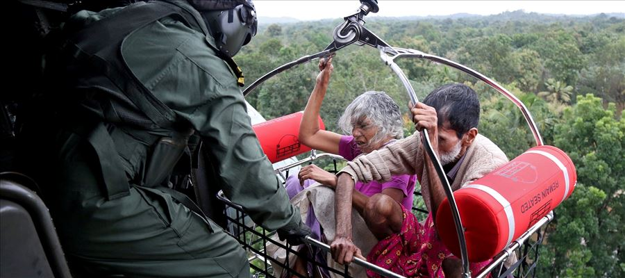 Most heart touched image of Kerala Floods
