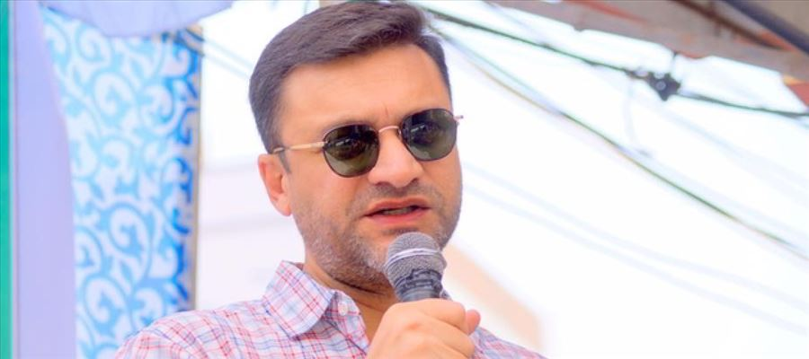 Akbaruddin's fresh comments drawing severe flak from TRS leaders