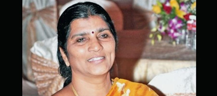 """""""They are trying to spoil and tarnish my husband's image..."""" - Sr. NTR's wife Lakshmi Parvathi"""