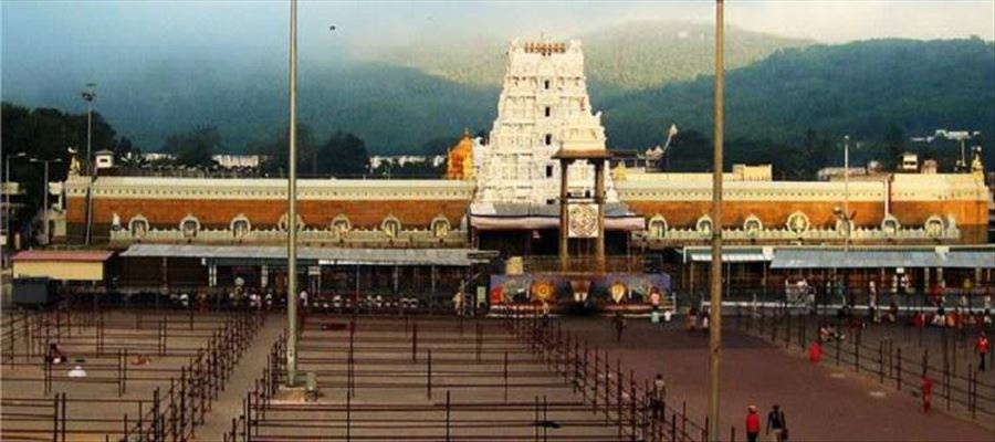Another hoax and Another Stampede incident at Tirumala Venkateshwara Temple - 6 people injured