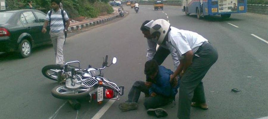 YCP MLA who hit a motorcyclist by car never bothers to take the injured to the hospital - Faces criticism!