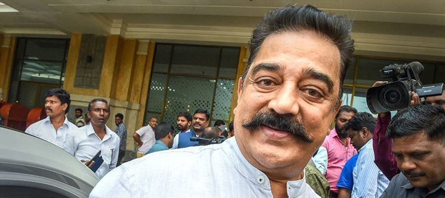 Haasan meets Veteran Director cum Actor