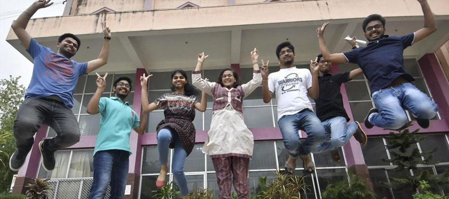 ONLY!!! CBSC & ISC students tops in Top 10 MBBS Rank List