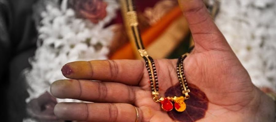 Mangalsutra in Women is a powerful weapon